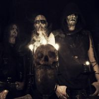 Photo de Enthroned
